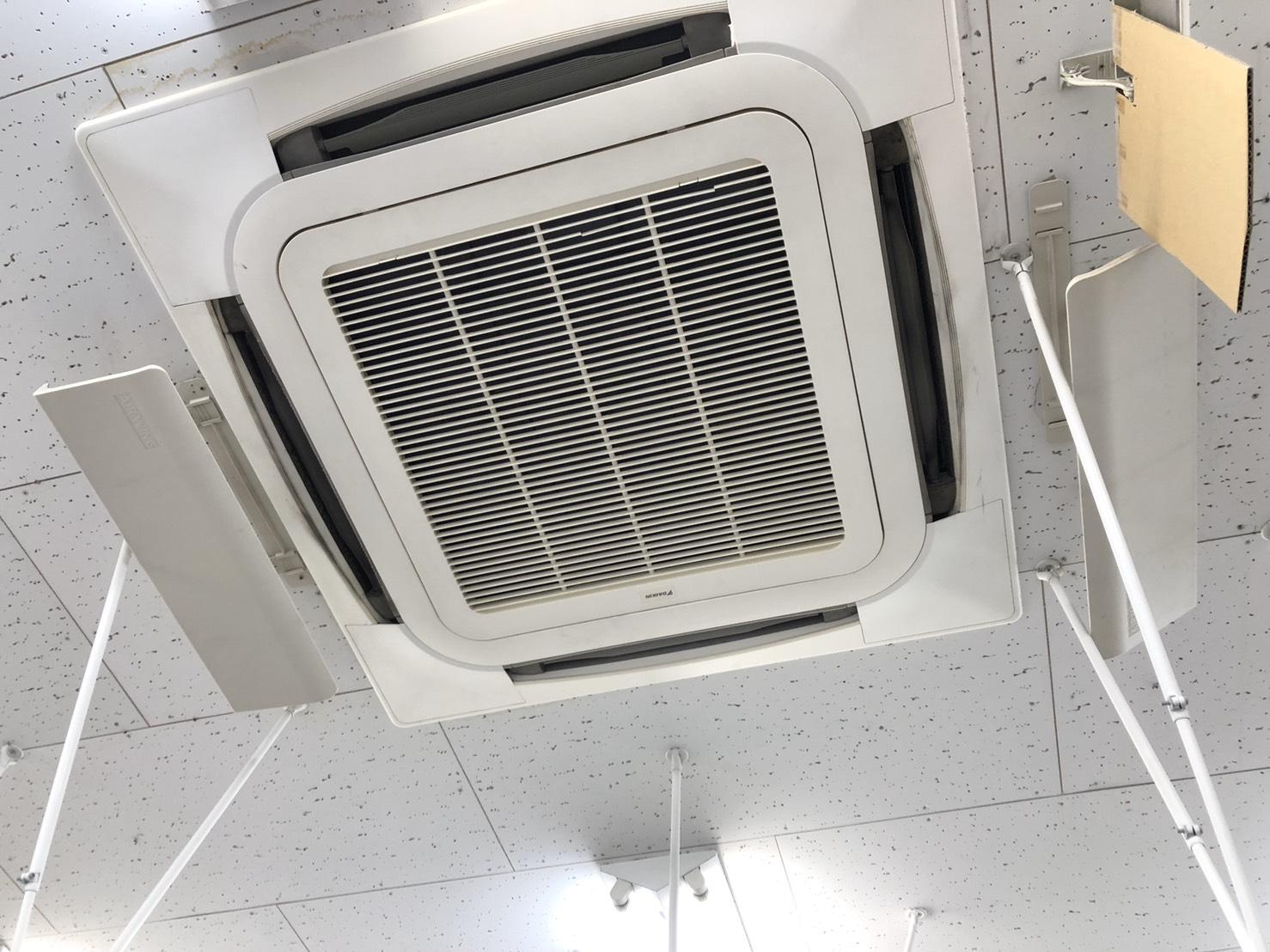天井埋込エアコンクリーニング 川崎